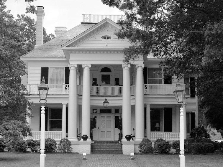 Modern House w/ Pillars