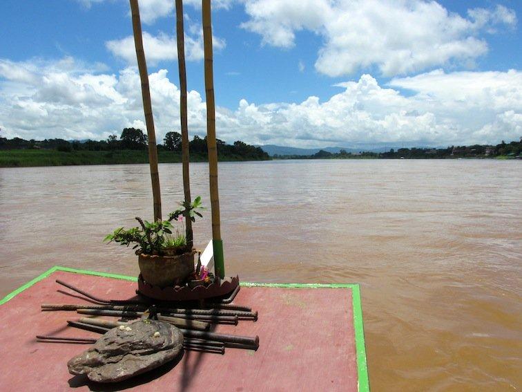 Slow boat Cruise Mekong Laos
