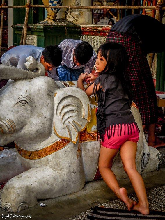 Myanmar, modern girl