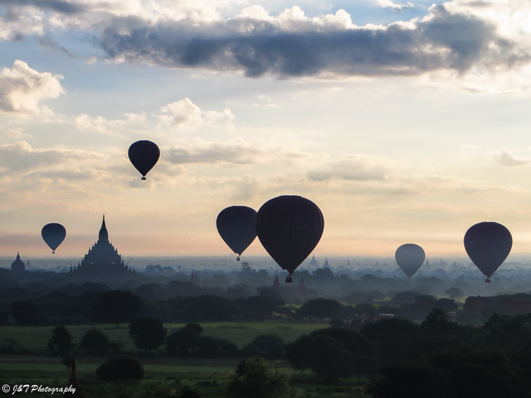 Myanmar Bagan temple sunrise view hot air balloon