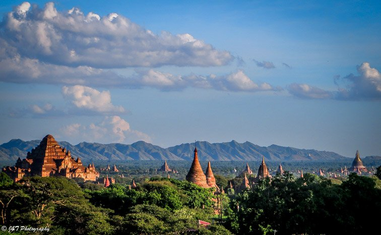 Myanmar Bagan temple sunrise view