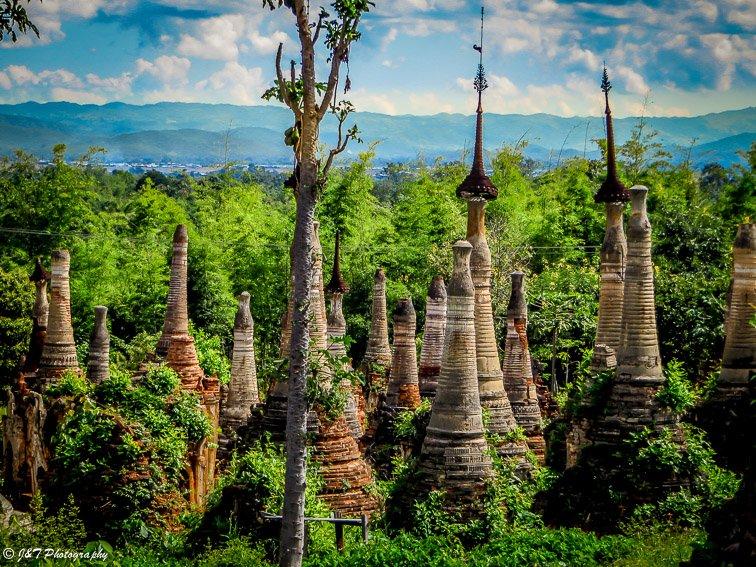 Inle lake Indein Village temple stupa