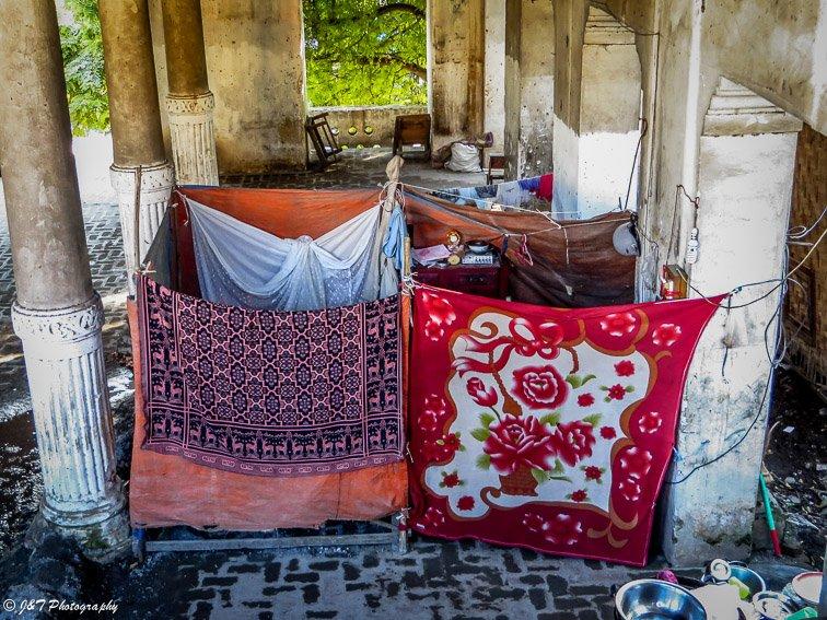 Myanmar mandalay homeless blankets