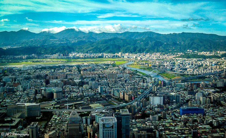 Expat Life in Taipei City