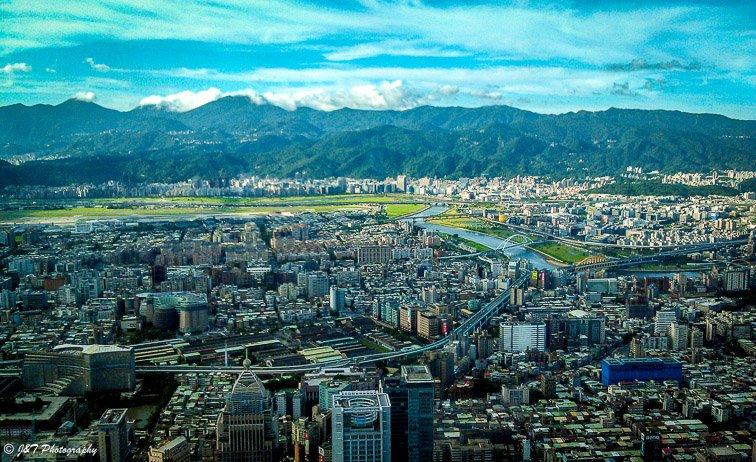 Expat Life in Taipei City
